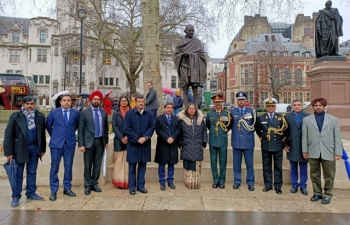 High Commission of India paid tribute to Mahatma Gandhi on Martyrs Day at Parliament Square - 30.01.2020